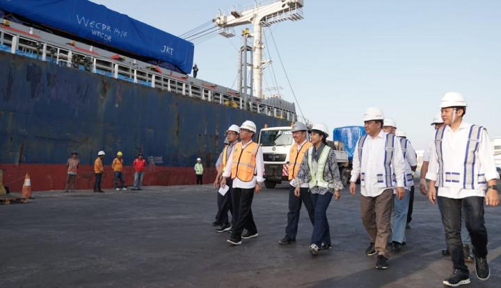 Menteri BUMN Tinjau Pengapalan Ekspor Gerbong Kereta INKA ke Bangladesh - Warta Ekonomi