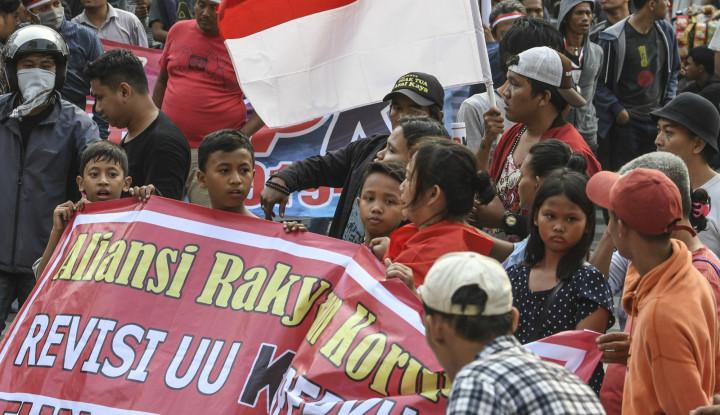 Dukung Revisi UU KPK, Massa Aksi: Diajak Biar Rame, Saya Dibayar Rp50 Ribu - Warta Ekonomi