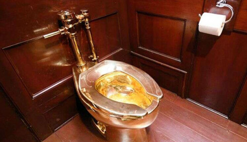 Foto Polisi Inggris Buru Pencuri Toilet Emas dari Istana Blenheim di Oxfordshire