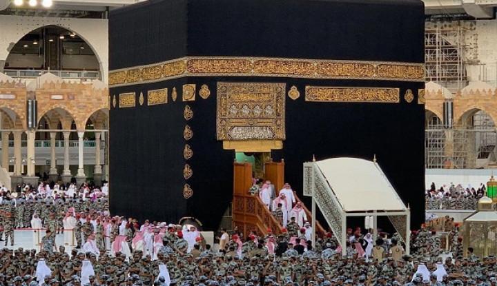 Arab Saudi Terapkan Aturan Salat Berjamaah Hanya di 2 Masjid dengan Syarat Ini - Warta Ekonomi