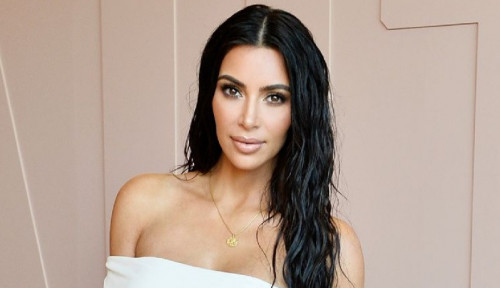 Foto Ngurus 4 Anak Bikin Kim Kardashian Kewalahan