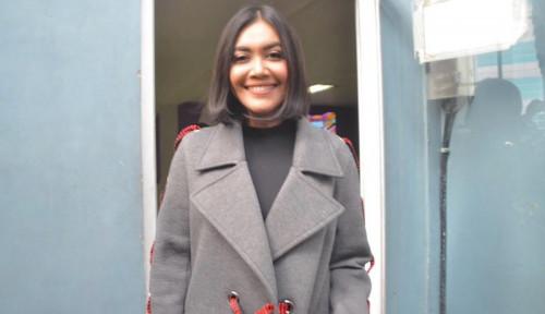Foto Rawat Putrinya, Denada Rogoh Kocek Segini untuk Tempat Tinggal di Singapura