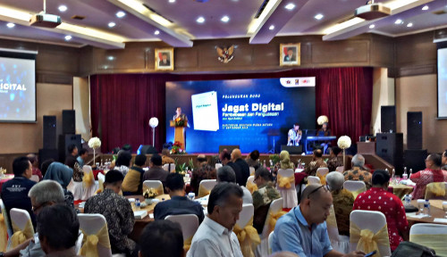 Foto Sony Subrata Apresiasi Buku Jagat Digital Karya Agus Sudibyo