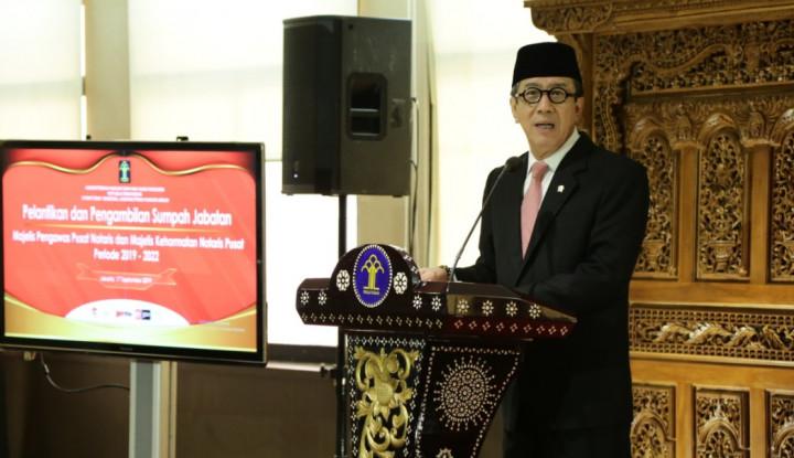 Menteri Yasonna Lantik Majelis dan Pengawas Notaris - Warta Ekonomi