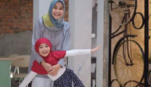 Foto Jadi Ibu 5 Anak, Zaskia Adya Mecca Tetap Bisa Kelola Bisnis!
