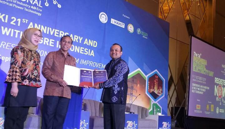 MKI Berikan Sambungan Listrik Gratis ke 125 Rumah - Warta Ekonomi