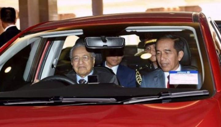 Wartawan Tanya Alasan Indonesia Tolak Bantuan Malaysia, PM Malaysia: Tanya ke Jokowi! - Warta Ekonomi