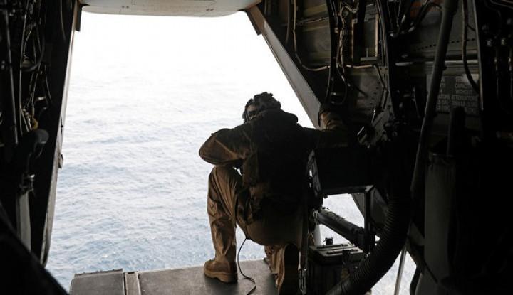 Latihan di Malam Hari, Puluhan Penerjun Tentara AS Luka - Warta Ekonomi