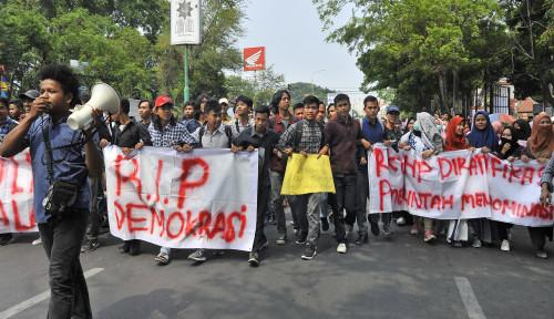 Kompak Lawan Oligarki Politik, Rektorat-Mahasiswa Satu Suara