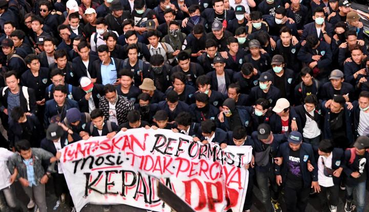 Survei Membuktikan: Publik Dukung Suara Mahasiswa agar Jokowi Terbitkan Perppu - Warta Ekonomi