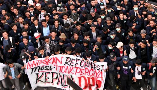 Foto Demo Bubar, Besok Mahasiswa Turun Lagi di DPR
