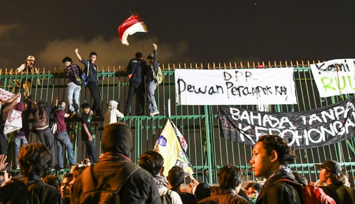 H-2 Pelantikan Jokowi, Mahasiswa Kembali Geruduk DPR - Warta Ekonomi