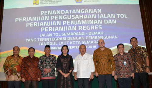 Foto Tandatangani PPJT, PTPP Mulai Pembangunan Tol Semarang -Demak
