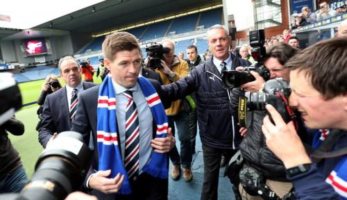 Foto Jurgen Klopp: Penerus Saya di Liverpool Steven Gerrard
