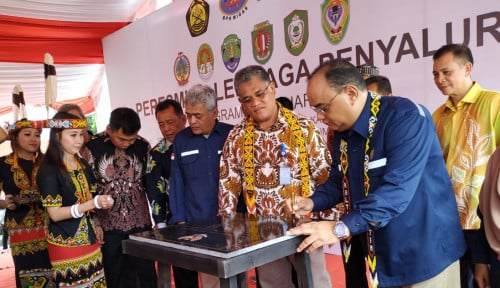 Foto Wakil Kepala SKK Migas Resmikan Enam Titik SPBU 3T di Kalimantan
