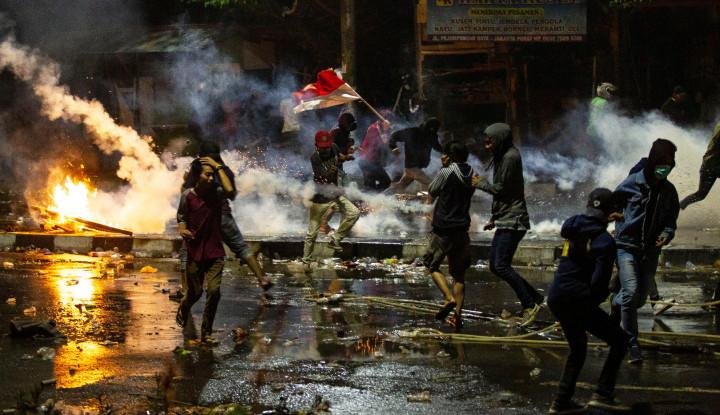 Bawa Batu dan Bensin, 5 Ambulance Pemprov DKI Diamankan Polisi, Anies Lepas Tangan? - Warta Ekonomi
