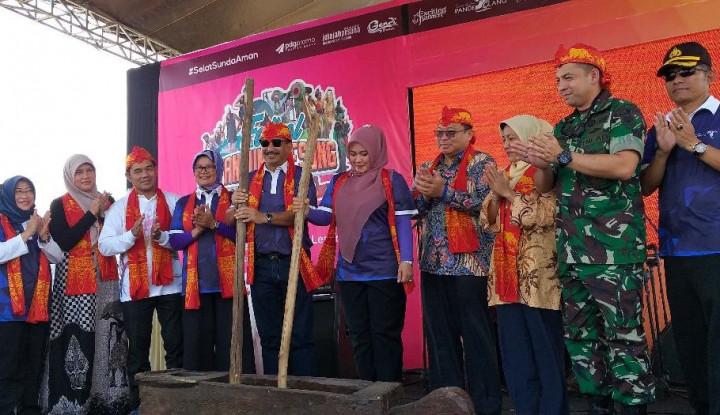 Menpar Buka Festival Pesona Tanjung Lesung 2019 - Warta Ekonomi