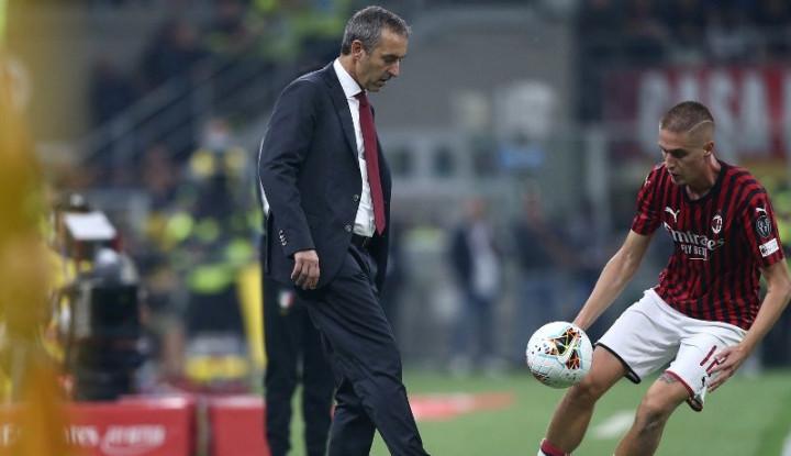 Takluk 3-1 dari Fiorentina, Pelatih AC Milan Ungkap Kekesalan - Warta Ekonomi