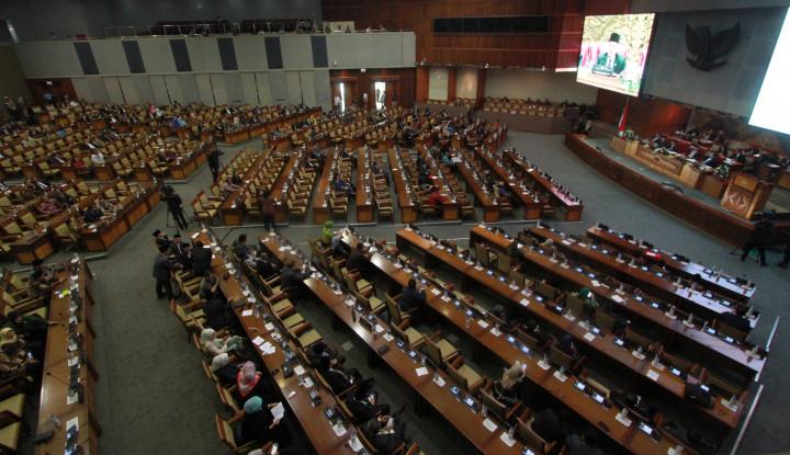 Ada Corona di Indonesia, Anggota DPR yang Dulu Sering Bagikan Sembako Apa Kabar Woy? - Warta Ekonomi