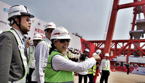 Foto Menteri Rini Harapkan Kereta Cepat Rampung Dua Tahun Lagi
