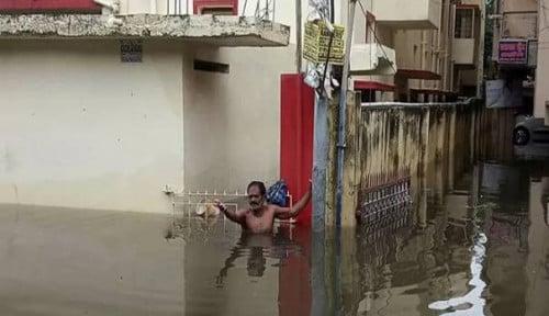 Foto India Dilanda Banjir, Ratusan Orang Meninggal Dunia