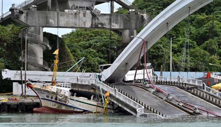 Polisi Klaim Temukan Mayat Terakhir Korban Jembatan Ambruk Taiwan - Warta Ekonomi