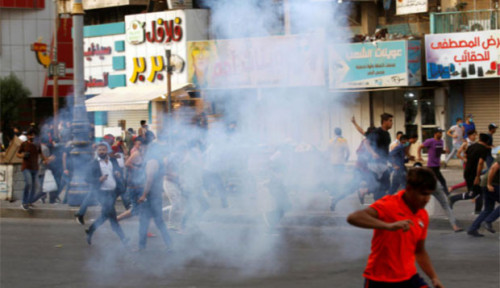 Foto Demonstrasi Irak Kembali Jatuhkan Korban, Pendemo: Usir AS-Iran
