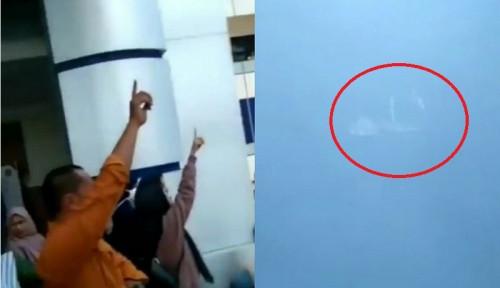 Foto Ada Awan Berlafadz Allah Muncul Saat Mahasiswa Hendak Demo, Warganet: Allahuakbar