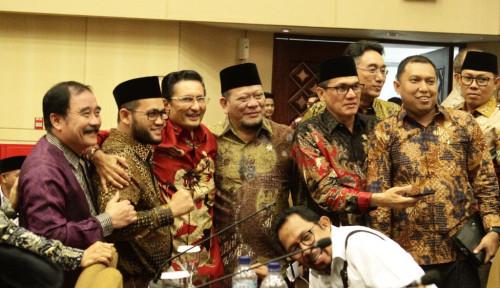 Foto Potret Semringah Para Senator DPD, Dukung Fadel Memimpin MPR
