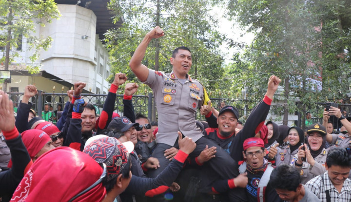 Kapolda Jabar dan Kapolrestabes Bandung Pastikan Aksi Buruh Berlangsung Damai