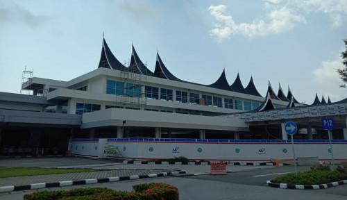 Foto Arus Penumpang Melonjak, Angkasa Pura II Fokus Kembangkan Bandara Padang
