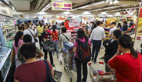 Foto Buntut Demo Tak Berujung, Warga Hong Kong Berbondong-bondong Serbu Supermarket
