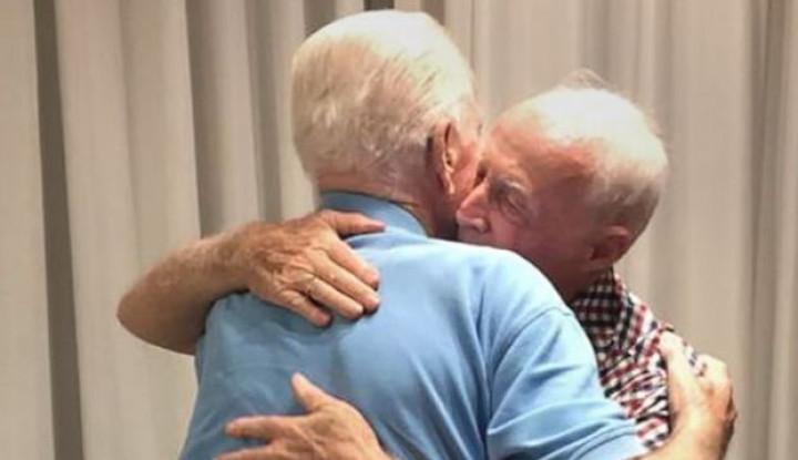 2 Saudara Ini Saling Bertemu Setelah Hilang Kontak Selama 75 Tahun, Begini Kisahnya - Warta Ekonomi