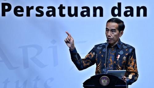 Foto Ada Urusan, Jokowi Datang Lebih Awal di Peringatan HPN