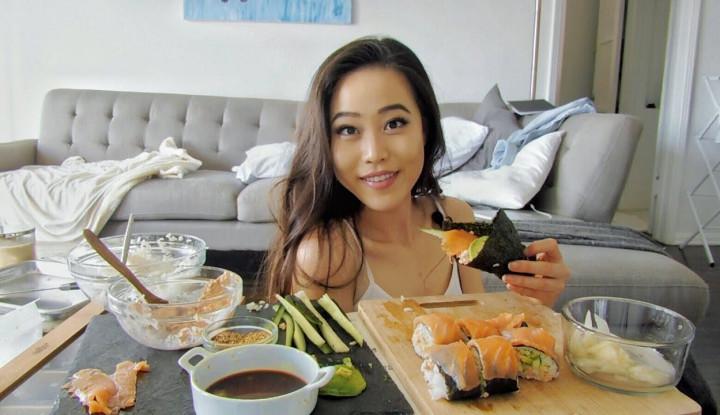 Berkat Mukbang, YouTuber Ini Berhasil Boyong Hunian Mewah - Warta Ekonomi