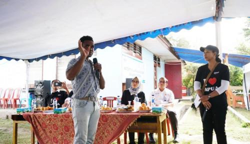 Foto Menteri Rini Minta Pemuda Papua Ini Diangkat Jadi Pegawai PLN. Siapakah Dia?