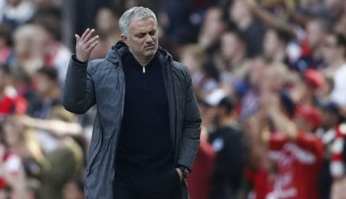 Foto Puk Puk Puk. Jangan Sedih, Mourinho!