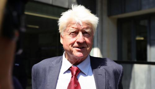 Foto Ayah PM Boris Johnson Ikut Aksi Demo Perubahan Iklim di London