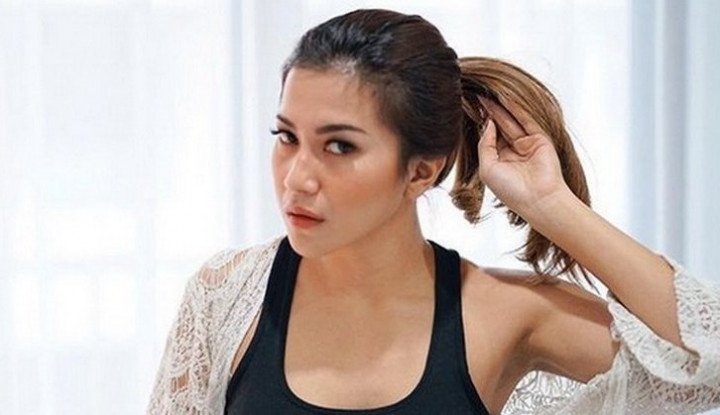 Dita Fakhrana, Model dan Presenter Cantik yang Kini Semakin Eksis - Warta Ekonomi