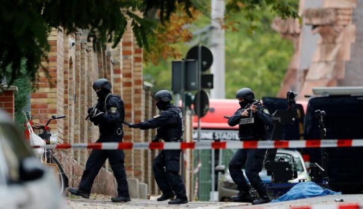 Pria Bersenjata Teror Rumah Ibadah Yahudi di Jerman, Dua Tewas - Warta Ekonomi