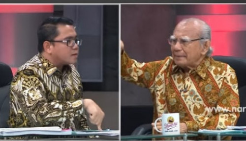 Foto Arteria Dahlan Tunjuk-Tunjuk Emil Salim, PDIP Cuma Bilang...