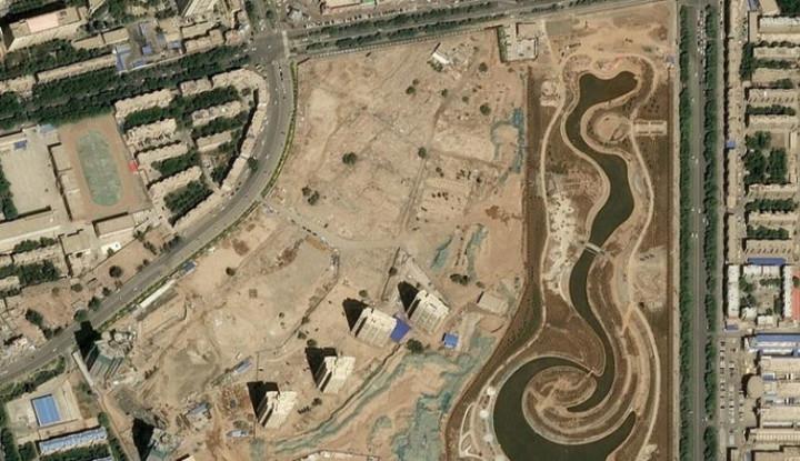Tak Hanya Injak Harga Diri, China Juga Hancurkan Puluhan Kuburan Massal Musim Uighur - Warta Ekonomi