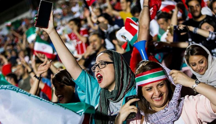 Wanita Iran Boleh Tonton Sepak Bola Pertama Kali dalam 4 Dekade - Warta Ekonomi