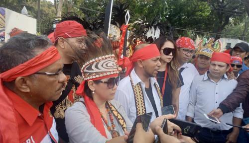 Foto Di Depan Istana, Masyarakat Timur Indonesia Serukan Lawan Radikalisme
