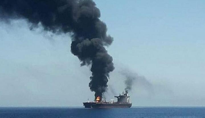 Kapal Tanker Iran Terbakar, Arab Saudi Klaim Tak Terlibat dalam Insiden Itu karena... - Warta Ekonomi