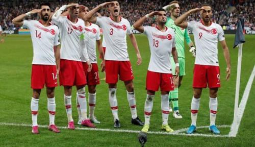 Selebrasi 'Hormat' Timnas Turki Berujung Penyelidikan Federasi Sepakbola UEFA