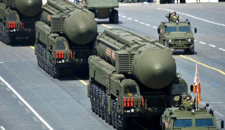 Lagi Parade, Rusia Bikin Lapangan Merah Bergemuruh Usai Pamerkan Senjata Pemusnah