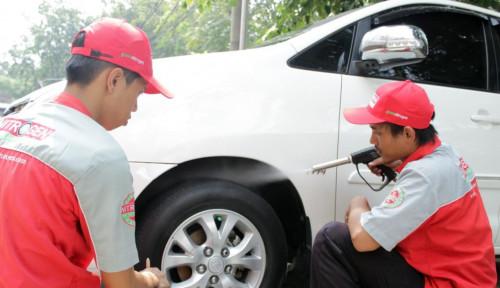Foto Pertama di Indonesia, Bandrex Layani Tambal Ban Darurat Ekspres