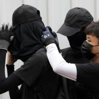 Pengiriman Baju Hitam Tak Diizinkan Masuk Hong Kong, Kenapa?