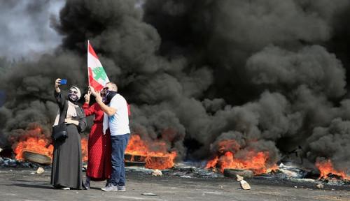 Foto Imbas Kerusuhan Lebanon, Kuwait Imbau Warganya Waspada dan Batalkan Rencana Bepergian